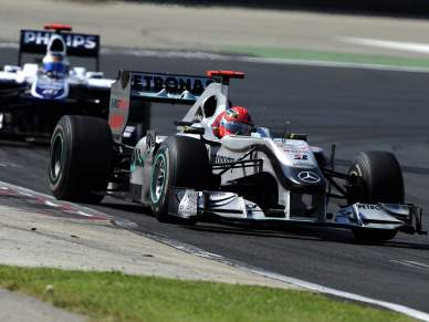 Schumacher pede desculpas a Barrichelo por manobra na Hungria