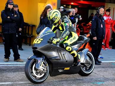 Rossi já acelera com a Ducati