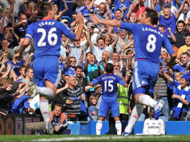Chelsea vence e retoma liderança