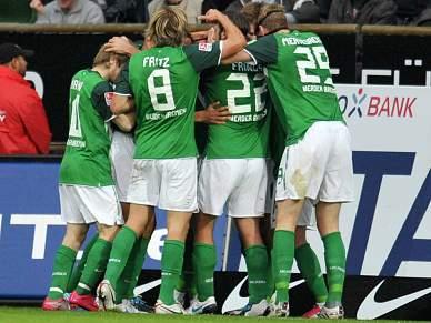 Werder Bremen atrasa Leverkusen
