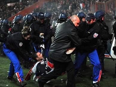 Confrontos em Moscovo entre adeptos e polícia