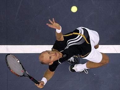 Davydenko junta-se a Federer em Portugal