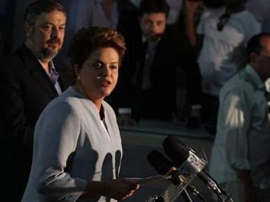 Dilma Rousseff diz que obras estarão concluídas a tempo