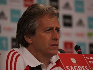 "Jesus promete ""um Benfica determinado"""