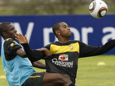 Brasil faz primeiro treino com bola