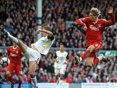 Torres conduz Liverpool ao triunfo sobre Sunderland