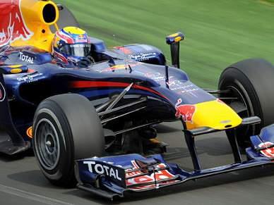 Vettel domina segunda sessão de treinos livres