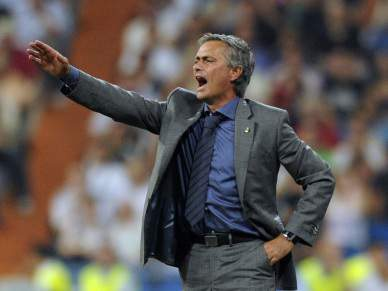 Mourinho apela à inteligência de Benzema
