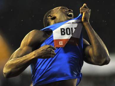 Bolt fica a 12 centésimos do recorde mundial dos 300 metros