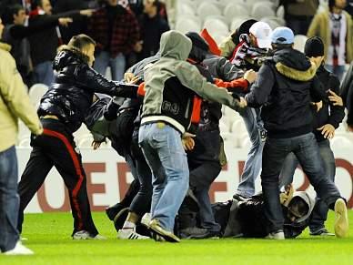 Violência entre adeptos no A. Bilbao - Anderlecht