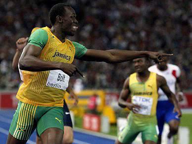 Bolt regressa para vencer