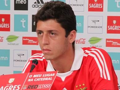 «No Benfica jogavam sempre os mesmos»