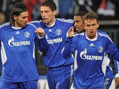 Schalke não dá folga ao Bayer