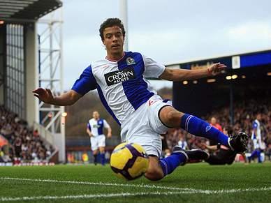 Blackburn vence e sobe ao sétimo lugar