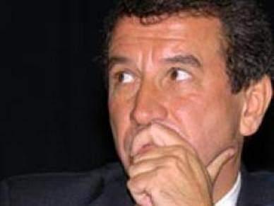 Ribeiro Teles deixa a Direcção