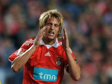 Benfica recusou nova proposta por Coentrão