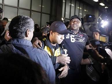 Felipe Melo insultado à chegada