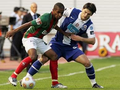 Madeirenses vencem FC Porto ao intervalo