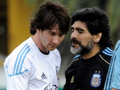 Federação não abre mão de Maradona