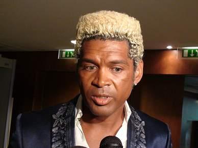 Abel Xavier admite que «racismo faz parte da sociedade» e pede união no futebol