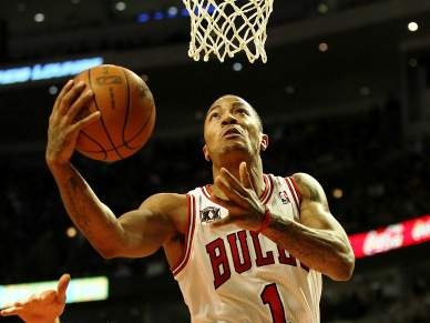 Derrick Rose trava Miami Heat