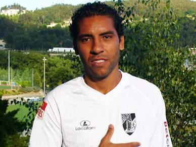 Médio brasileiro Edson Sitta é reforço por duas temporadas