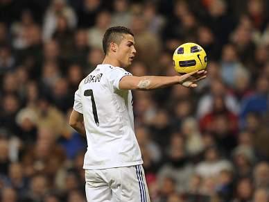 Berlusconi diz que prioridade do AC Milan é contratar Cristiano Ronaldo