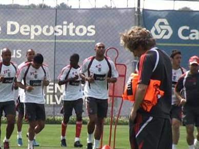 Fábio Coentrão, David Luiz e Aimar em tratamento