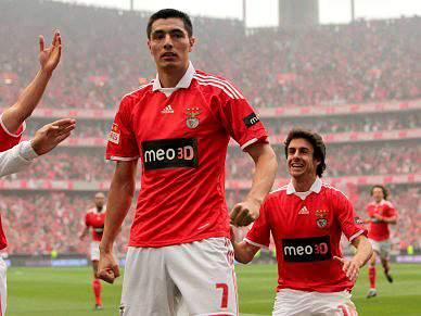 Benfica pode estrear-se sem portugueses