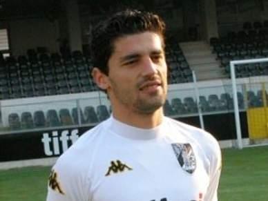 Sai Lazzaretti, entra Alex para recepção ao Benfica