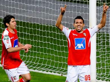 Braga dominante e em vantagem