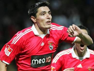 Benfica com Cardozo e Maxi no arranque da Liga