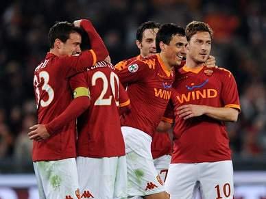 Roma perde mas está na final