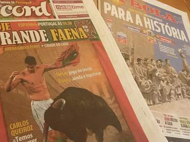 O jogo começa nas manchetes dos jornais