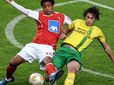 Braga empata e iguala Benfica