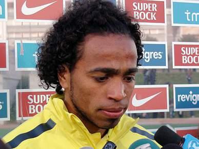 Alvaro Pereira só pensa no título de campeão