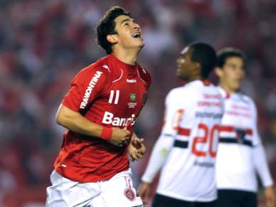 Internacional de Porto Alegre vence São Paulo