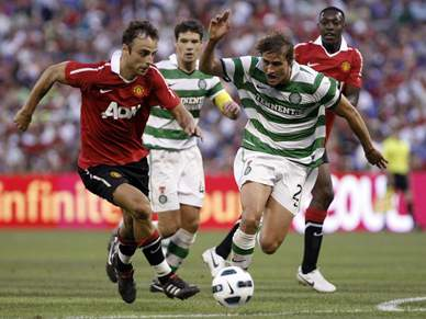 Manchester United inicia digressão a vencer