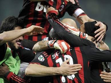 AC Milan dilata vantagem para o Napóles