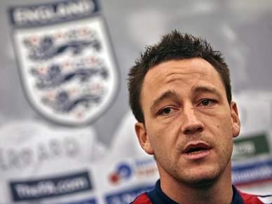 Terry desfalca Inglaterra