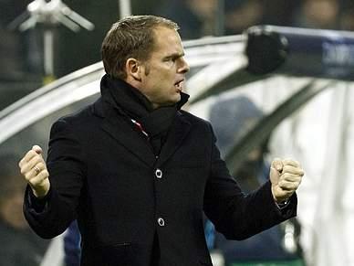 Frank De Boer renovou até 2014