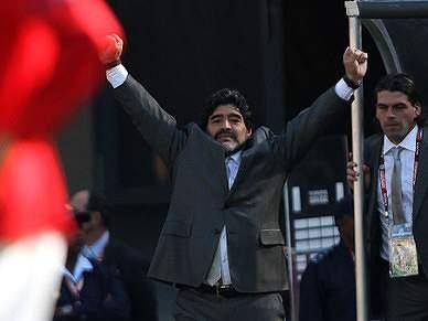 """Maradona """"Tenho 23 feras que sentem a camisola"""""""