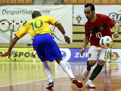 Portugal dá espectáculo, mas não vence