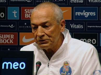 Jesualdo acompanha 'blackout' de jogadores do FC Porto