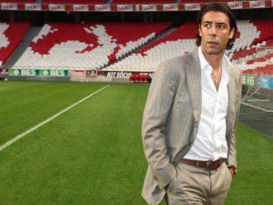 Benfica mantém