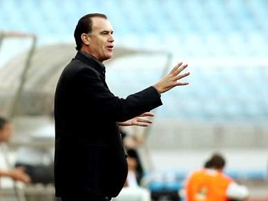 Rogério Gonçalves é o segundo treinador a assumir funções