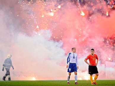 FPF estuda 'jaula' para adeptos bósnios