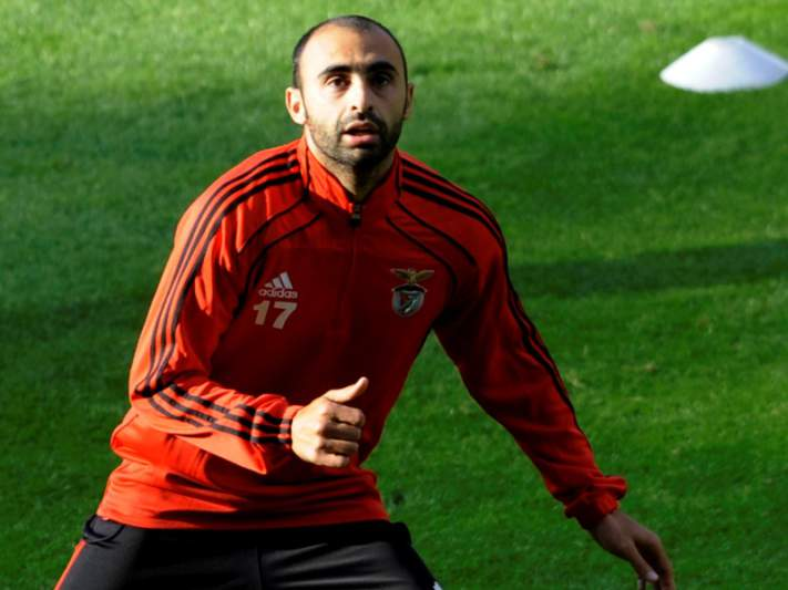 Carlos Martins na lista de Lyon e Rennes