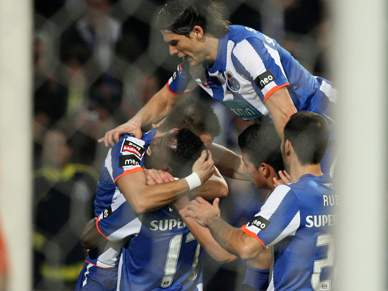 Golo de Varela dá vantagem aos Dragões