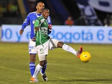 Fabián Castillo apontado à Luz